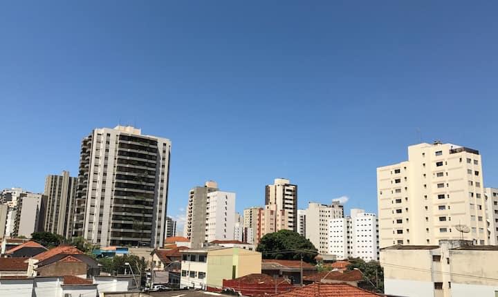 Suite super confortável no centro de Ribeirão.