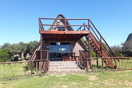 Charihandra Pvt Game Lodge 4 Star (Kudu Chalet)