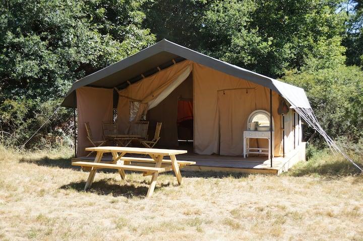 Tente SAFARI au milieu des bois