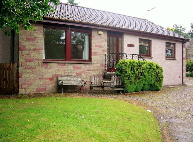 Braeside. Family friendly in Grantown on Spey - Grantown-on-Spey - Bungalow