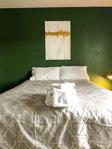 The Petite Retreat-Private Room