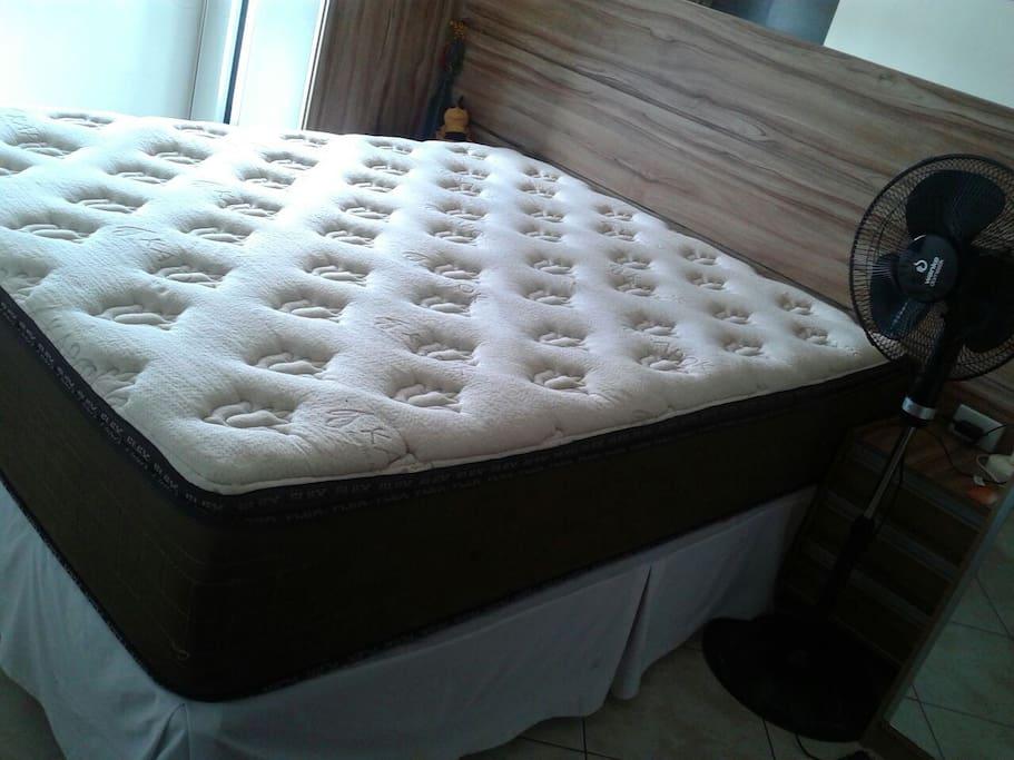 colchão queen de excelente qualidade