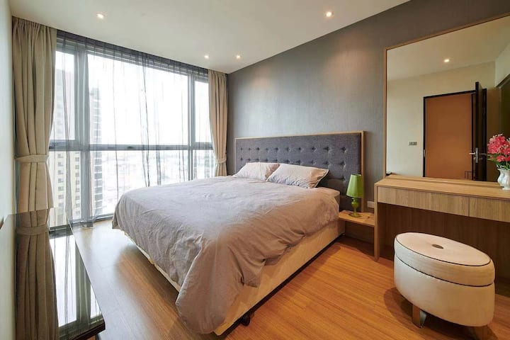 Deluxe 51sqm,3min to BTS,Sky Bar,Price Negotiable