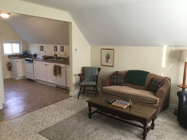 Bright, Clean, and Open Winooski Unit - 1BR