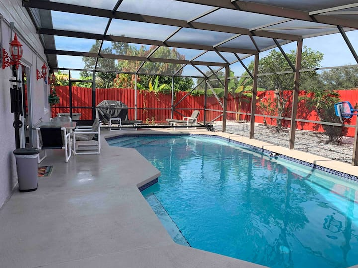 All  Privacy ,Private Heated  Pool, 20 min Disney