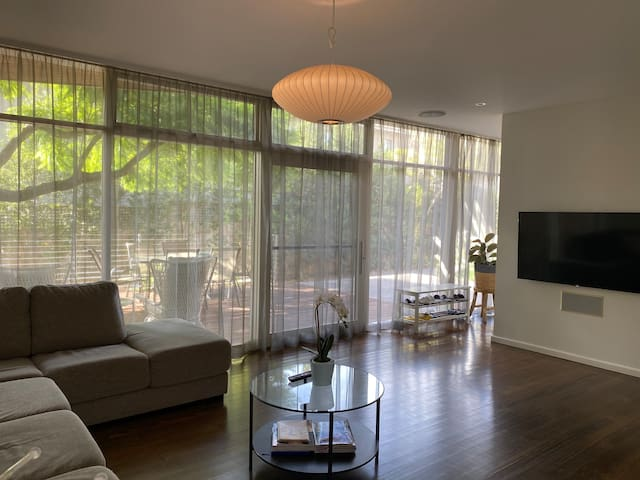 living room can stepped to terrace directly