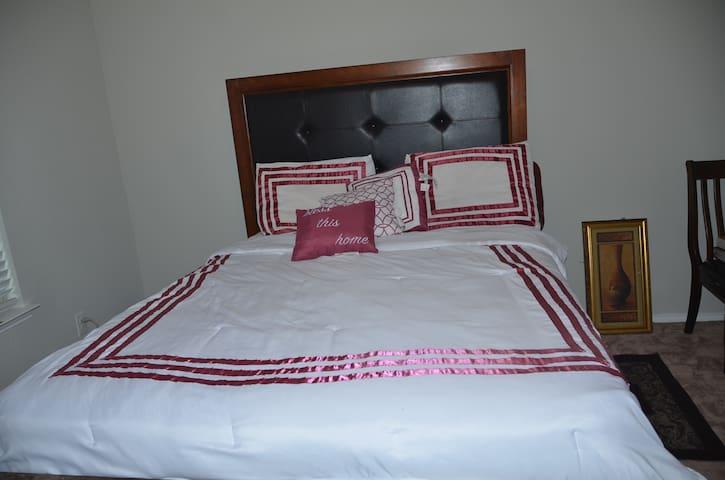 Shalom Residence