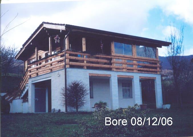 Chalet Villa Bore SPA in mezzo ai colli Piacentini - Bore - Kabin
