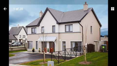 Brand new house 5 minutes from Ennis!