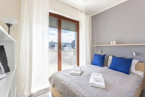 Ambria Apartments Sky