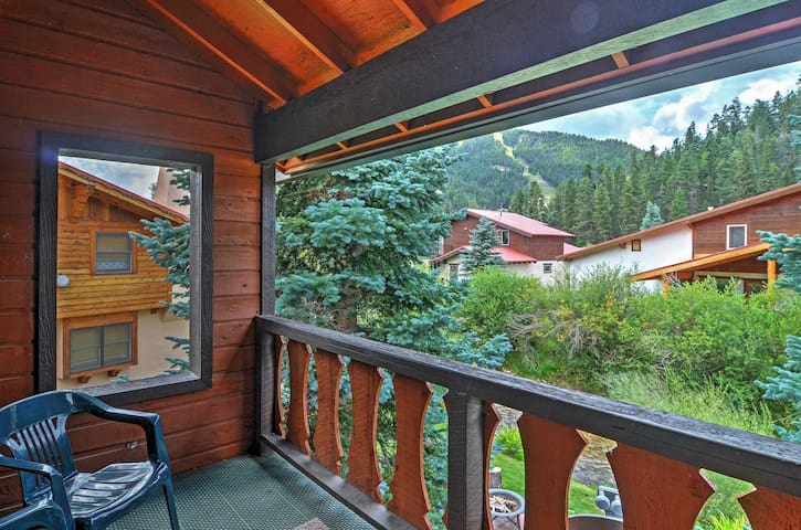 Picturesque 2BR Red River Townhome - Red River - Townhouse