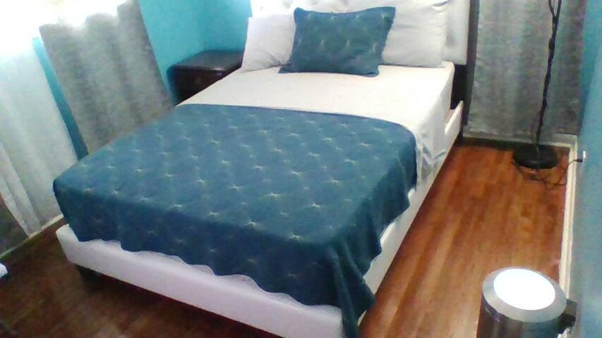 comfy private room - Hyattsville - Casa