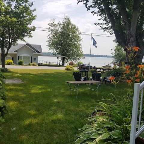 Escale 335: Chalet de détente au Lac Champlain