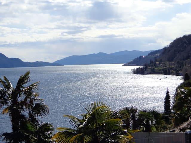 Scenografica villa con vista sul Lago Maggiore - Gonte - Vila