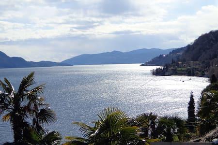 Scenografica villa con vista sul Lago Maggiore - Gonte