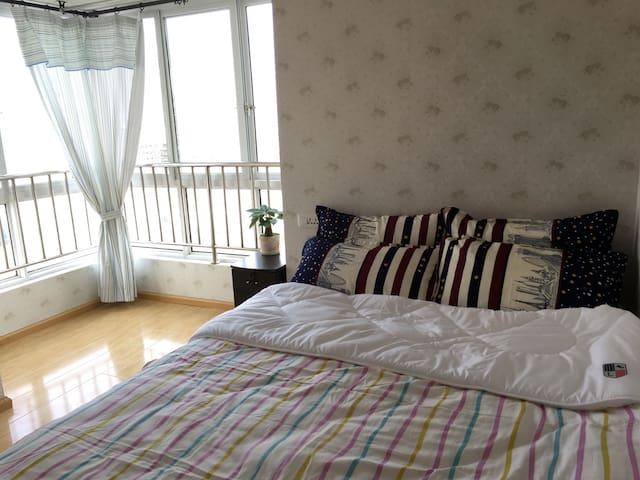 住宅高层两室一厅,火车站附近,鸿通城商圈,生活交通便利 - 贵阳市 - Apartamento