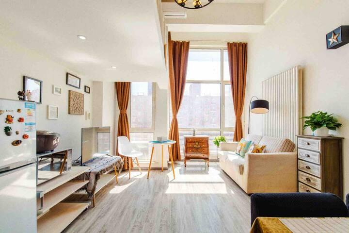 房山、北京西站、良乡大学城地铁高层阳光落地窗阿黛尔loft公寓