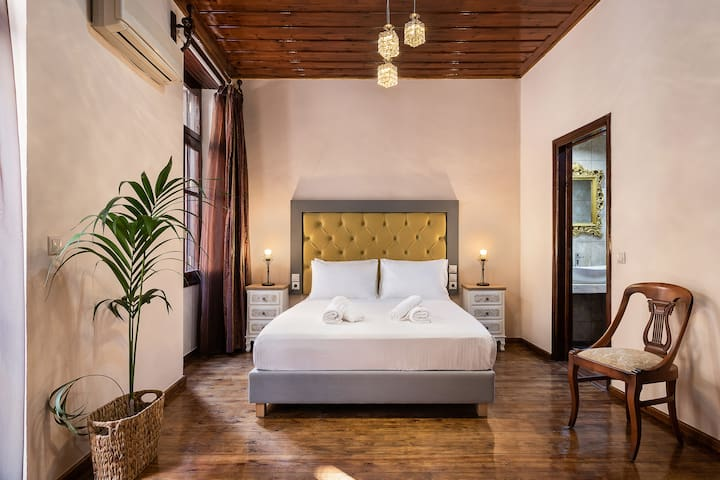 Old town suites chania