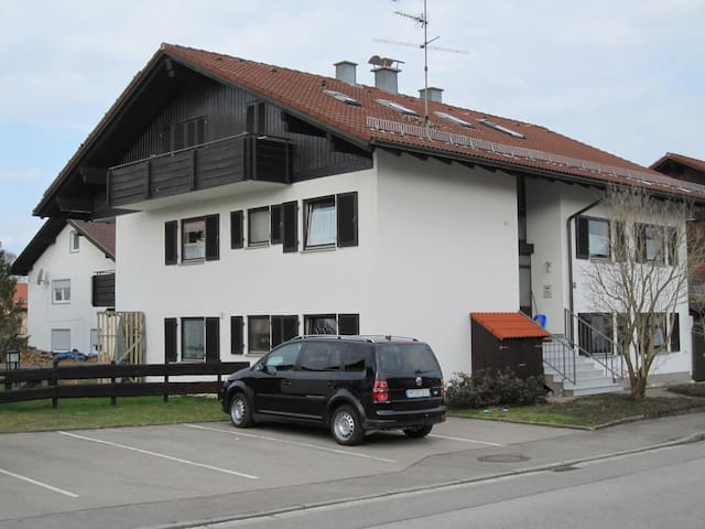 Wunderschöne 2 Zi-Wohnung in Nesselwang - Nesselwang - Apartemen
