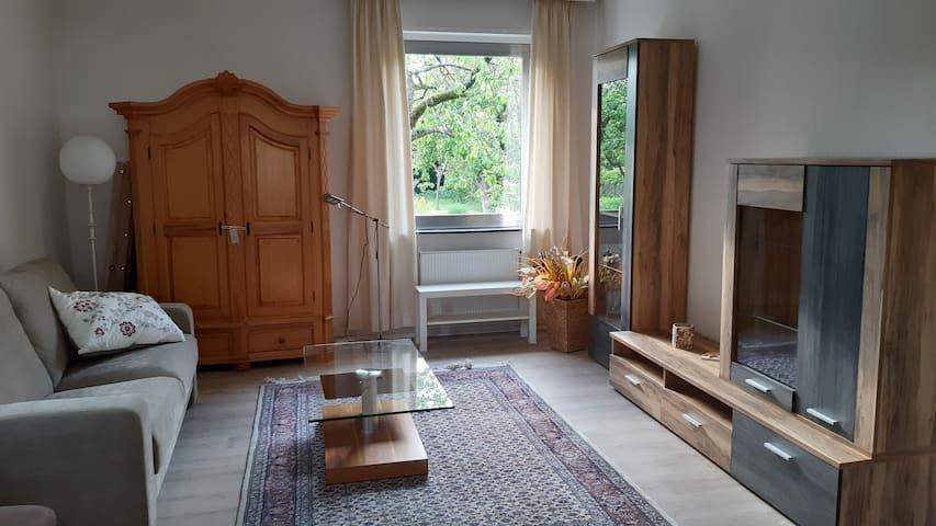 Helle möblierte Wohnung 80qm Gartenmitbenutzung