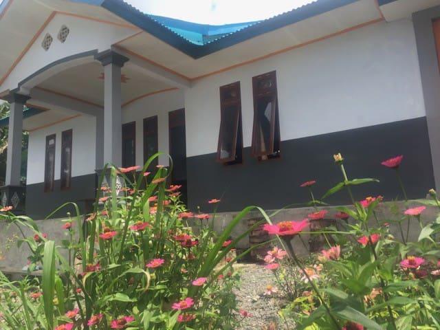 Villa Feli - Bajawa - Hus