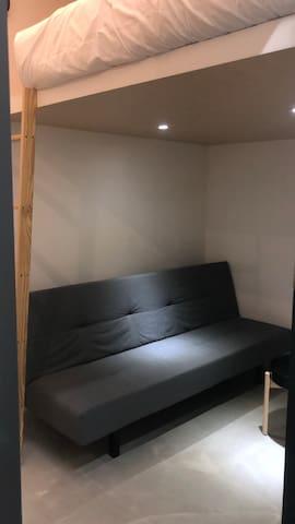 NEW!Taipei MRT 5min Cozy room 機場捷運三分鐘 舒適簡約雙人房