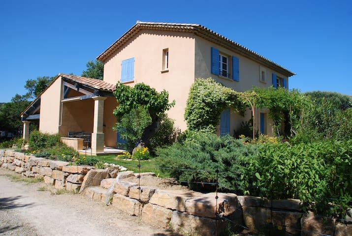 Appartement avec terrasse (rez-de-jardin d'un mas) - Ramatuelle - Apartment
