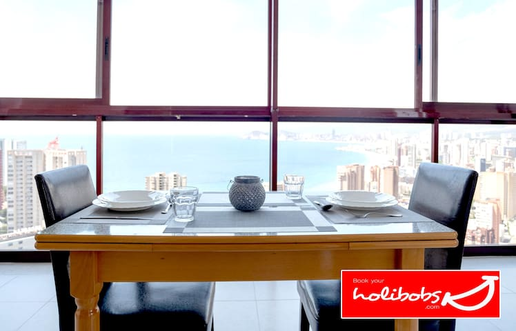 ★ Breathtaking Views ★ Epic Penthouse  ♡ Walk to the Beach  ★ Sleeps 3 ★  | WIFI & Netflix | Gemelos 15