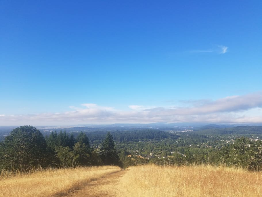 Nearby hiking trails