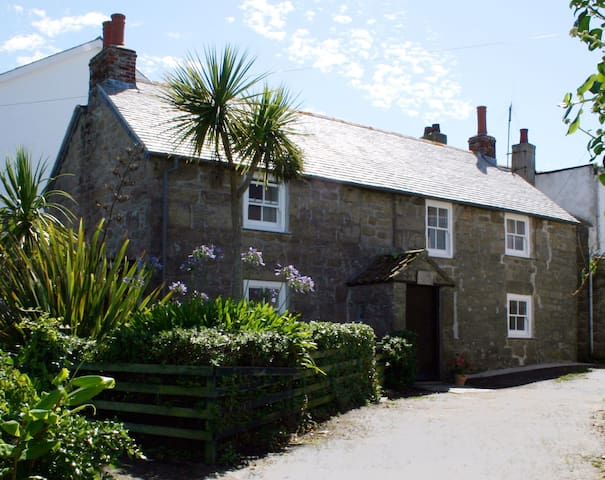 Clemy's Cottage