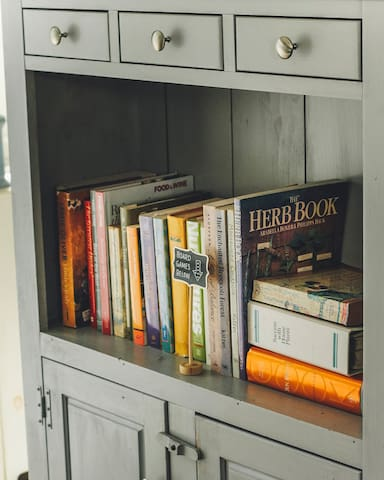 Cookbooks, books to read, and board games to play all at your disposal!