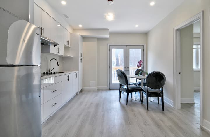 Brand New Private Spacious 3 Bedroom Walkout Bsmt
