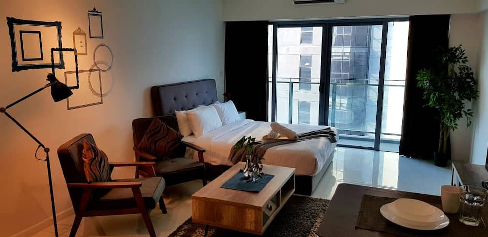 ★ KLCC Cozy 5 Star Home 10min walk to KLCC ★