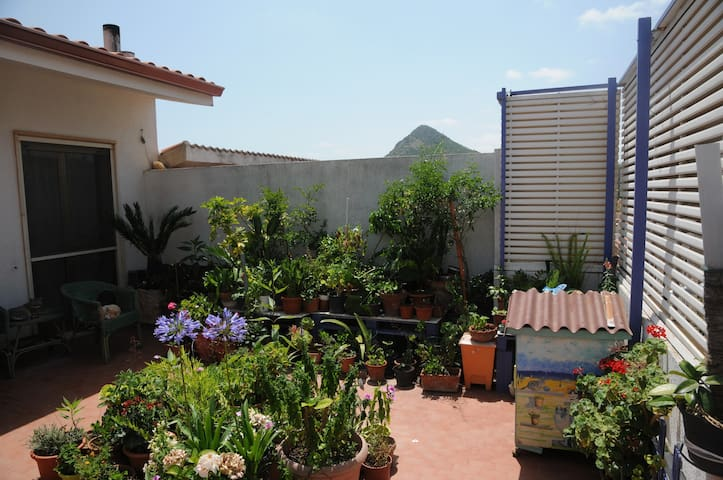 Beautiful Appartamento Deas with Terrace, Balcony, Wi-Fi & Air Conditioning; Street Parking Available