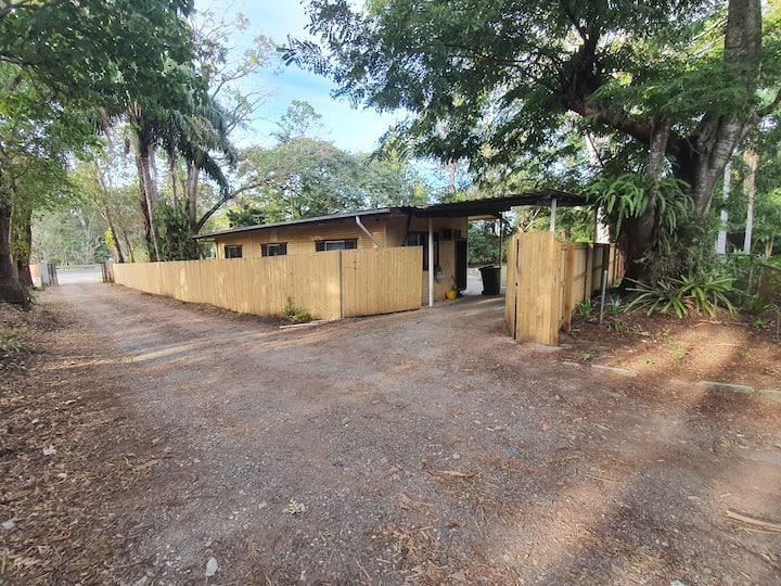 large block fully fenced 3 bedroom cottage