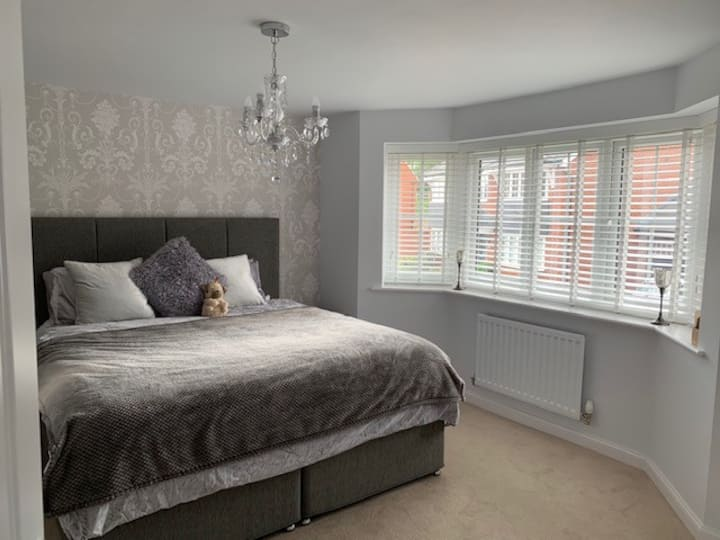 Luxurious King Room with Ensuite