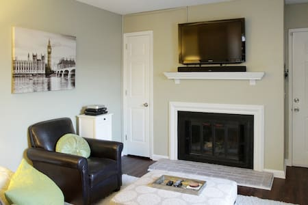 Brentwood Condo 10 mins to Downtown - Brentwood - Appartamento