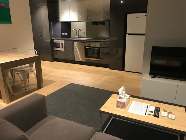 2 Beds 2 Bath Family Apartment near southern cross