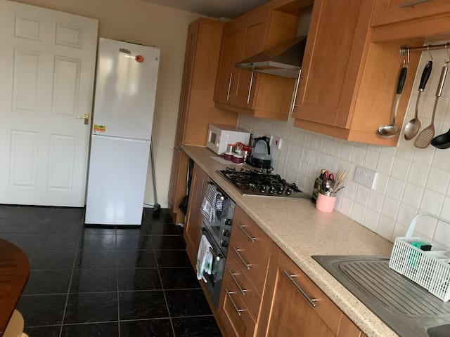 Convenient bright double bed room near university