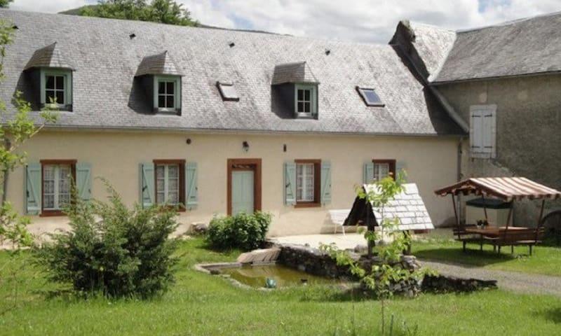 """Chambre d'hôtes """"La Neste"""" - La Barthe-de-Neste - House"""