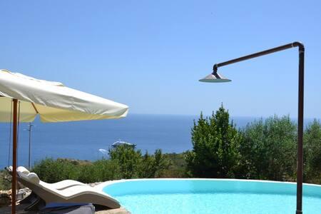 Il Giardino dei Mirti: Charme e Relax . - Marina di Novaglie - Villa