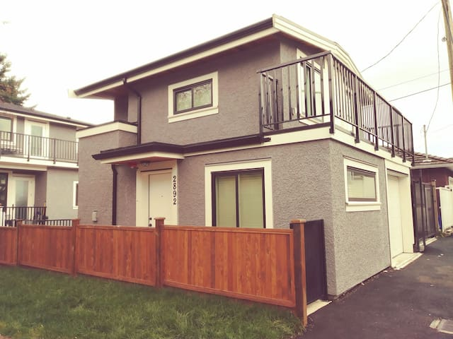 VANCOUVER brand new close to downtown and playland