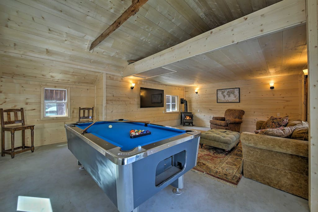This home offers 1,800 square feet including a game room and sleeps 9 guests.