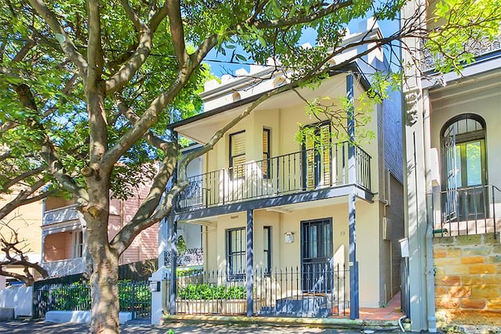 Live like a local in our Paddington Terrace!