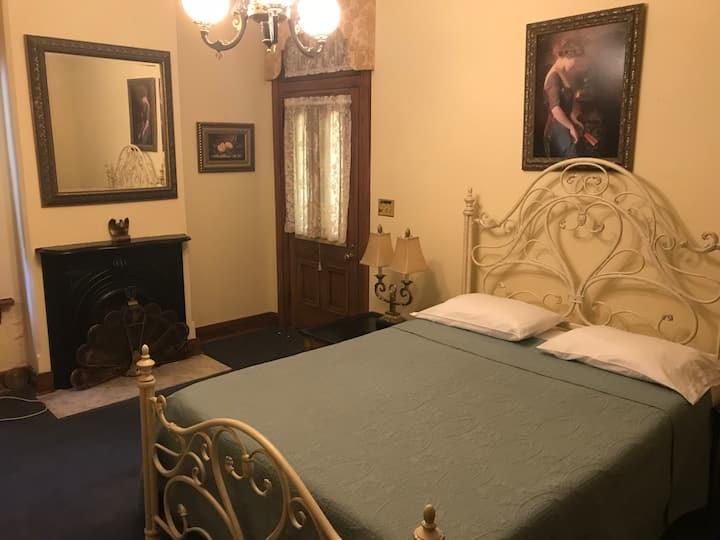 Historic Downtown Suite