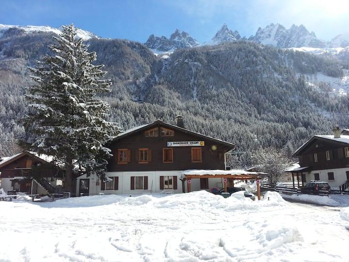Chamoniard Volant Hostel, Chamonix, Dorm Triolet