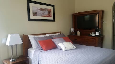 Isela's Suite~ Private entrance & near  Wineries
