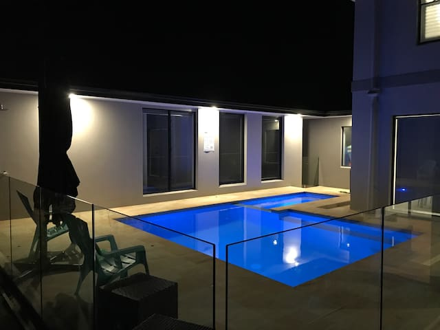 Brand new pool house - Pottsville - Konukevi