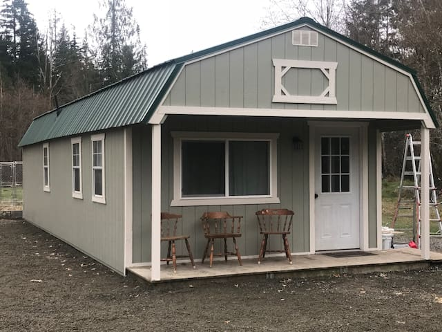 Cute Guest Cabin in Olympia,