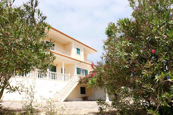 Nana's villa - Ericeira Friends & Family House